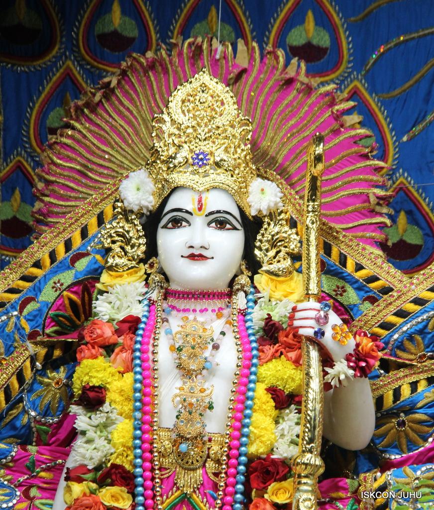 ISKCON Juhu Sringar Deity Darshan on 2nd Oct 2016 (40)