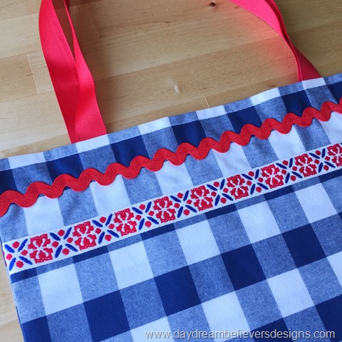 DIY Summer Parade Tote by Daydream Believers Designs