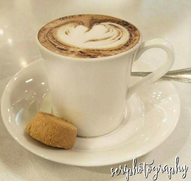 MENGOPI DI L CAFE