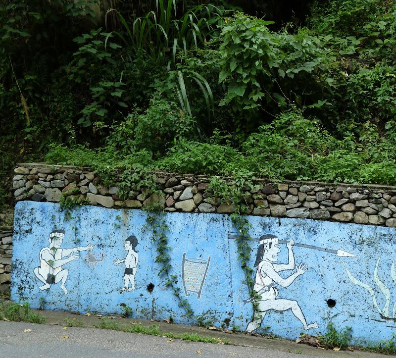 Puli  en passant , entre autres, par les villages de l ethnie Bunum de Loloko et Dili. J 10 - P1170015.JPG