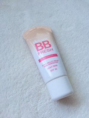 Maybelline's dream BB fresh cream in 'light'