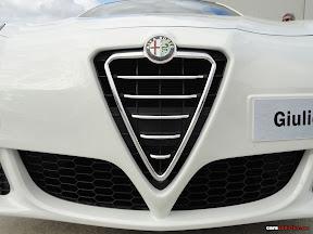 2010 Alfa Romeo Giuletta Grill