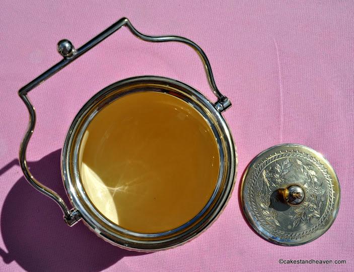 Wiltshaw & Robinson Honfleur blushware biscuit barrel c.1895