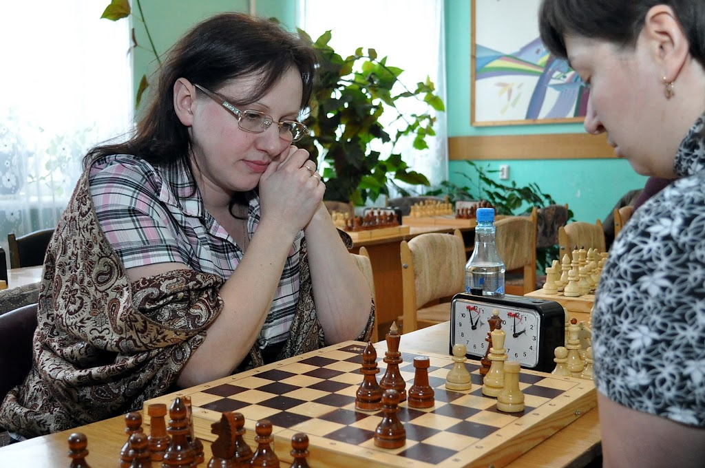 Победительница спартакиады по шахматам С. Пефтеева