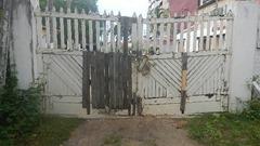 hinter sicheren Türen