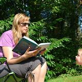 En ondertussen leest mama een beetje voor