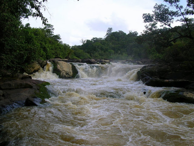 Saut Grand Kanori. Photo : http://www.bontikote.com/regina/saut-grand-kanori