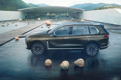BMW Concept X7 iPerfomance leaks in new renderings