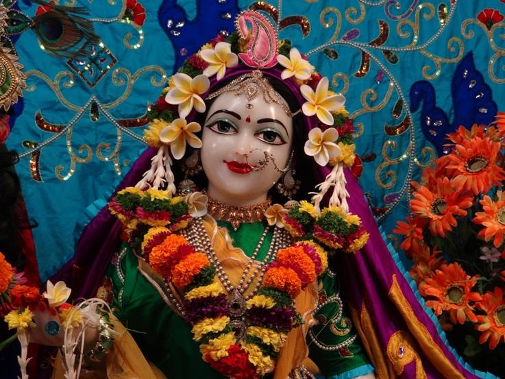 ISKCON Nigdi Deity Darshan 06 Jan 2016 (11)