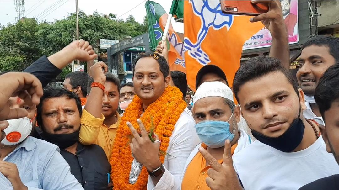 सासाराम : चेनारी सुरक्षित विधानसभा सीट के लिए भाजपा सांसद छेदी पासवान के पुत्र रवि पासवान ने दावा ठोक दिया है।