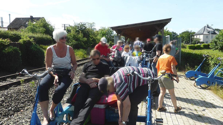 Draisinenfahrt Rahden Abfahrt Draisinenbahnhof 8.06.15 (12).JPG