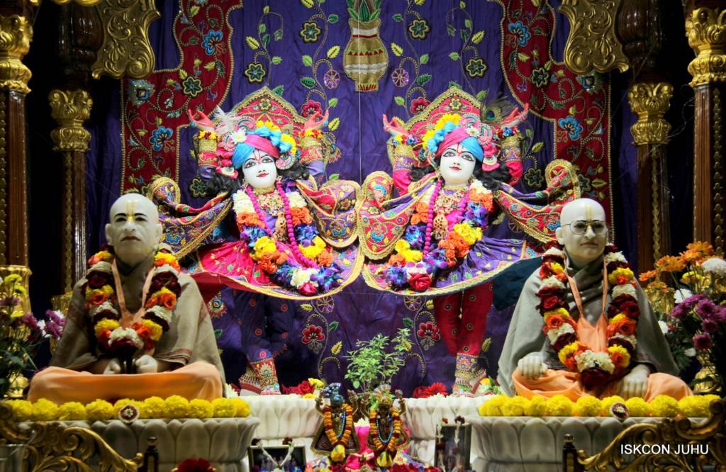 ISKCON Juhu Sringar Deity Darshan 29 Jan 2016 (23)