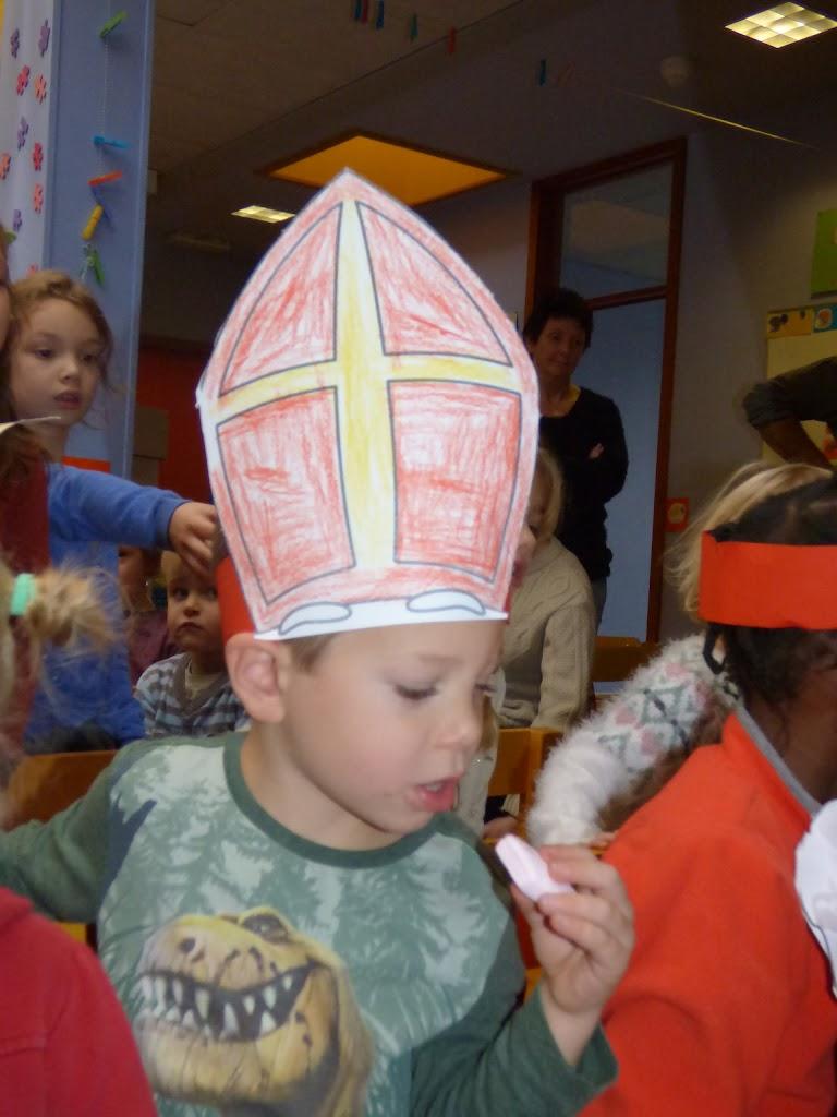 Sinterklaas op bezoek - P1060527.JPG