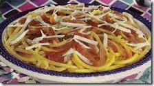 Bucatini di pancetta e cipolle