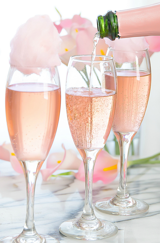 Cotton candy champagne cocktails kirbie 39 s cravings for Champagne mixed drinks