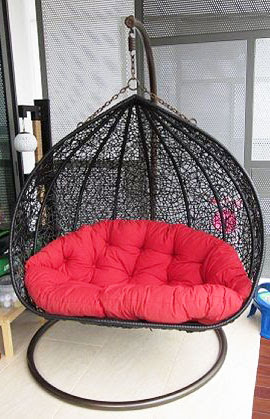 2-seater outdoor swing with red seat