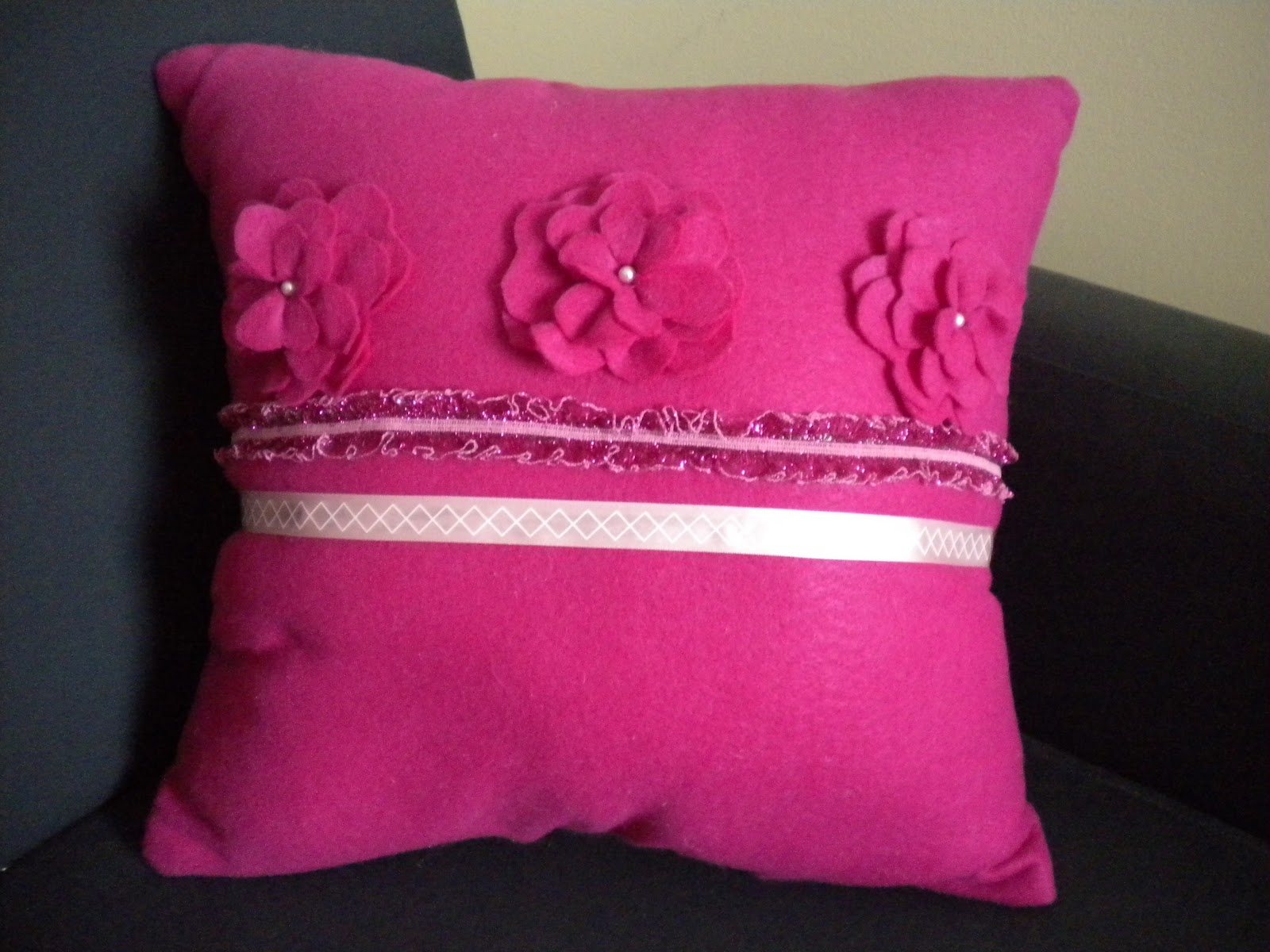 Felt Flower Pillow Tutorial My Girlish Whims