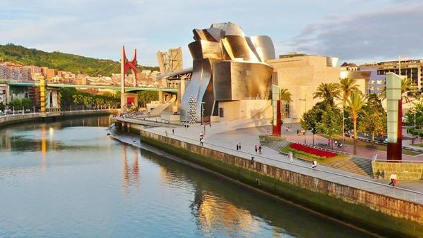1En Museo Guggenheim Bilbao.