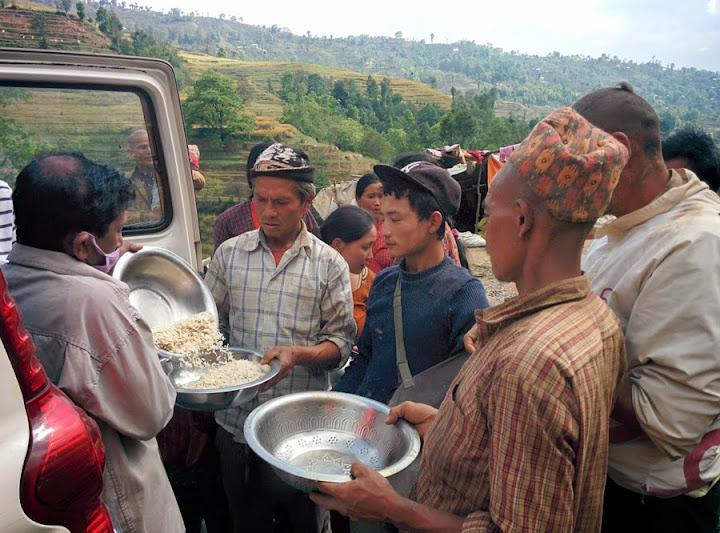 Nepal EarthQuake Relief - 3rd%2B%2BDay%2B%2BRelief%2B08.jpg