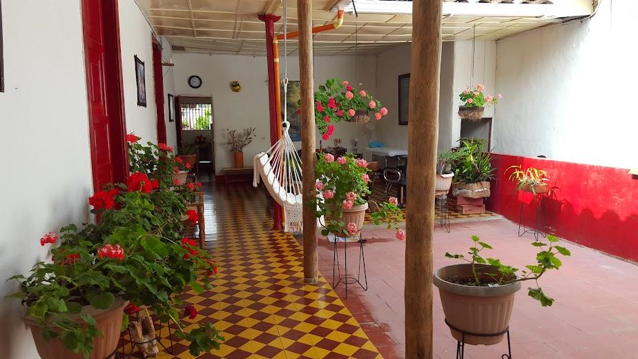 Famihotel casa esmeralda jardin antioquia for Casa jardin restaurante