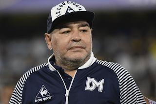 Morre o ídolo do futebol argentino e mundial Diego Maradona