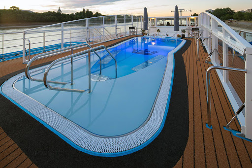 amalea-pool.jpg - Soak up some rays or take a dip in the pool, complete with a swim-up bar, as you pass by medieval castles, charming villages and gorgeous scenery.