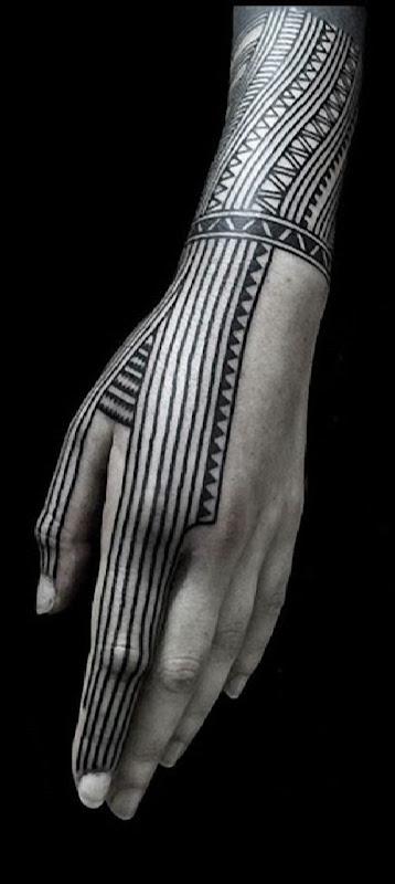 mao_tatuagens_mais_legais_projetos_do_tattoo_29