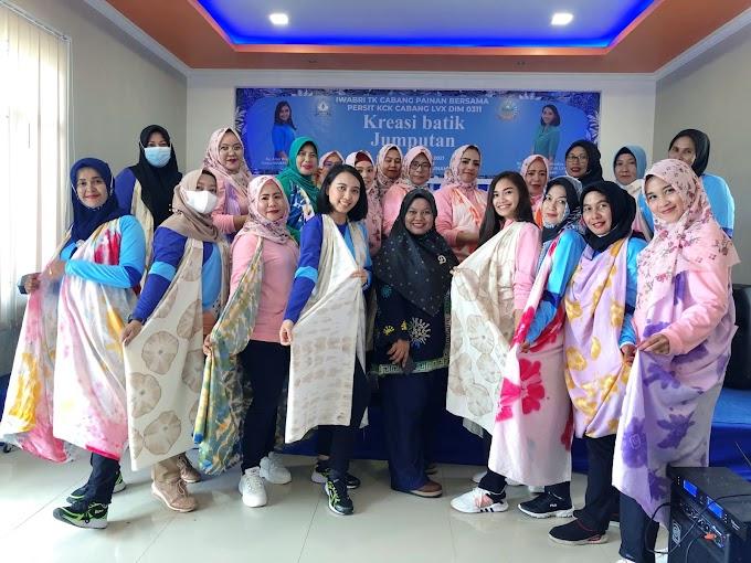 Untuk Mempererat Tali Silahturahmi Persit Kartika Candra Kirana Cabang LXV Pelatihan Pembuatan Batik