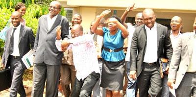 Mkuu wa Wilaya ya Kinondoni Paul Makonda Abanwa Kisawasawa na Wakili wa Kubenea Mahakamani