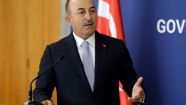 DW: Ο Τσαβούσογλου απείλησε τον Ερντογάν με παραίτηση για το ζήτημα με τους πρέσβεις