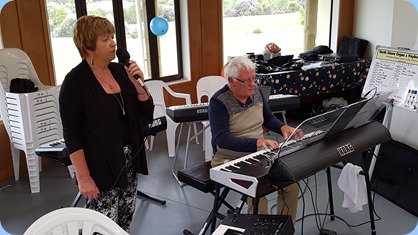 Nelleke Moffat (vocals) and Rod Moffat on his Korg Pa4X.
