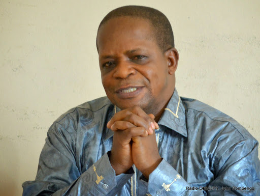 Jérôme Bonso, secrétaire permanent d'Agir pour des élections transparente et apaisées (Aeta), le 31/03/2015 à Kinshasa lors de la publication du rapport sur le calendrier électoral. Radio Okapi/Ph. John Bompengo