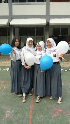 Bersama teman-teman dari SMAN 17 Bandung
