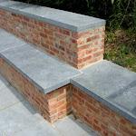 3 - Couvre-mur et banc meulés sur une terrasse