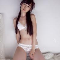 [BOMB.tv] 2010.01 Rina Akiyama 秋山莉奈 ar003.jpg