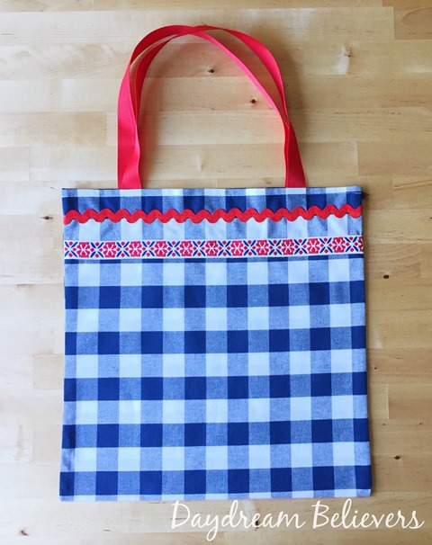 DIY Patriotic Parade Tote by Daydream Believers