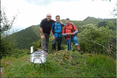 Gazteluzar mendiaren gailurra 515 m. -- 2016ko maiatzaren 22an