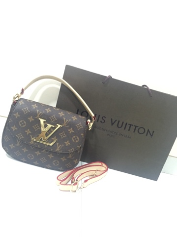 LOUIS VUITTON NANO PALLAS