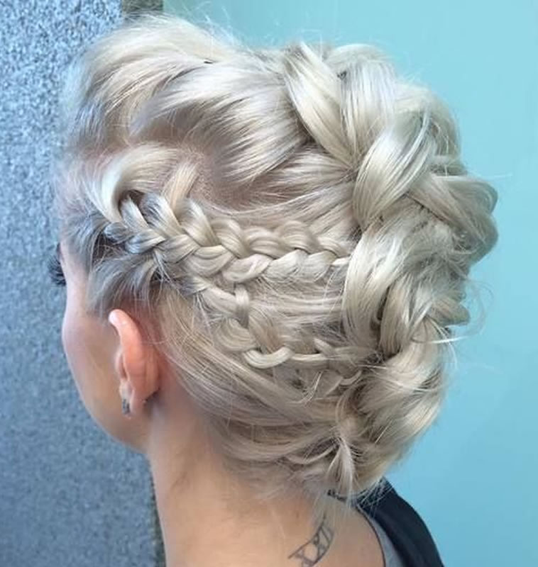 Wedding Updo Hairstyles 2018-2019 for Brides 4