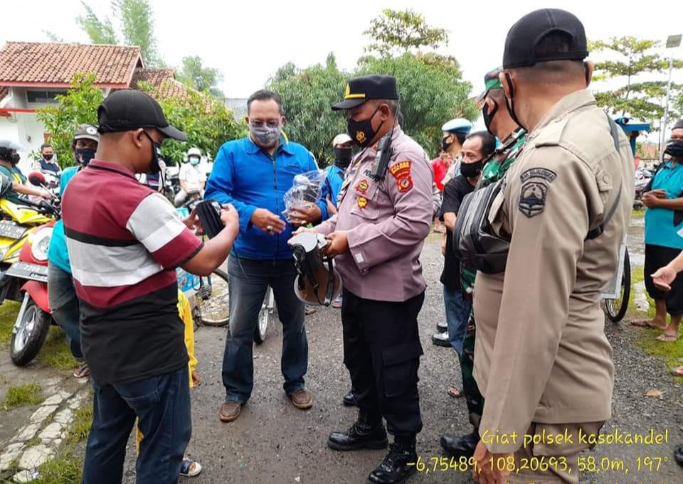 Kapolsek Kasokandel Bersama Muspika Gelar Ops Yustisi dan Himbauan PPKM
