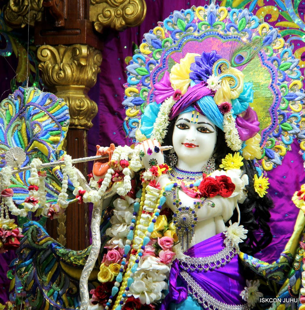 ISKCON Juhu Sringar Deity Darshan on 28th April 2016 (20)