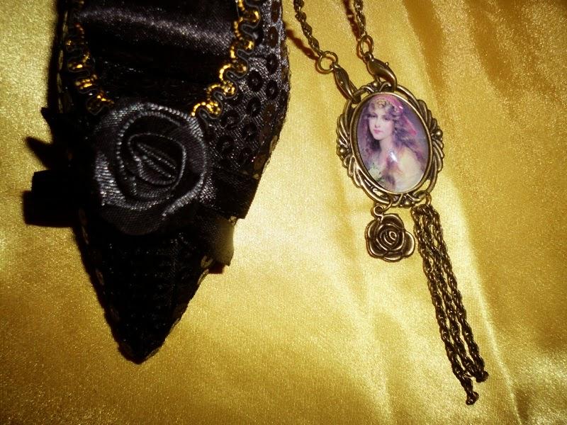 Bijoux créations chez les www.les-secrets-d-ametyste.com et bijouxdusud.eklablog.com