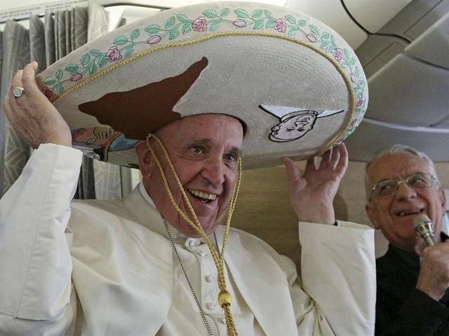 El Papa en vuelo hacia La Habana: