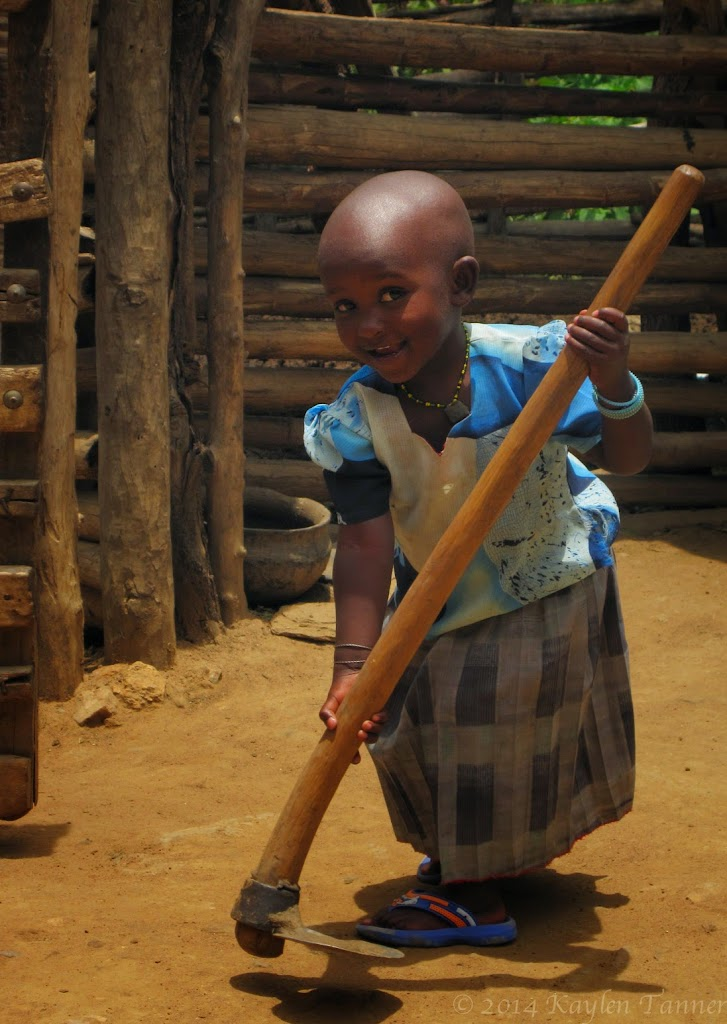 Wasi_Alagwa_Tanzania-2011-Kaylen-339photo