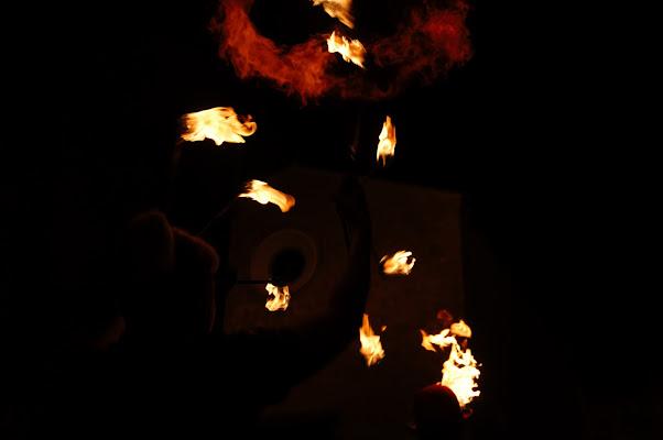 fuoco nella notte di tony_mangione