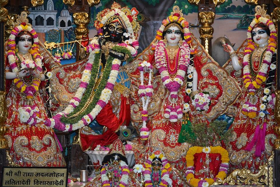 ISKCON Ujjain Deity Darshan 04 April 2016  (4)