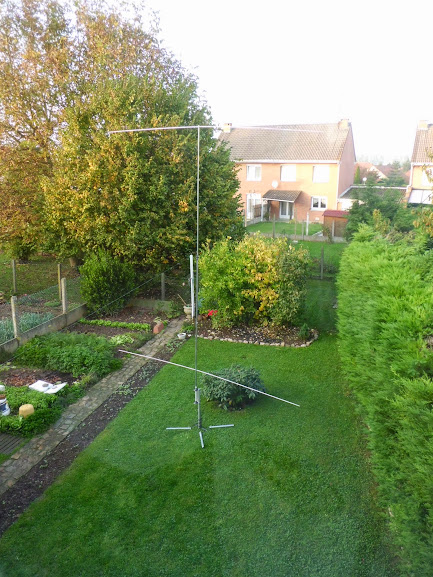 my homebrew vertical loaded dipole