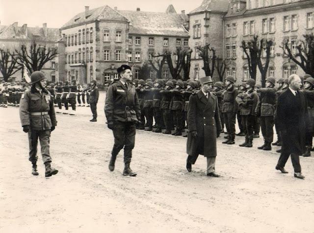 Le 11ème Régiment d'Artillerie d'OFFENBOURG. - Page 5 131104081111629531