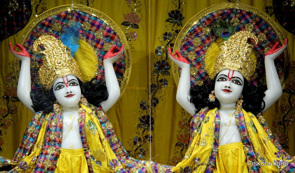 ISKCON Juhu Mangala Deity Darshan 09 April 2016 (30)
