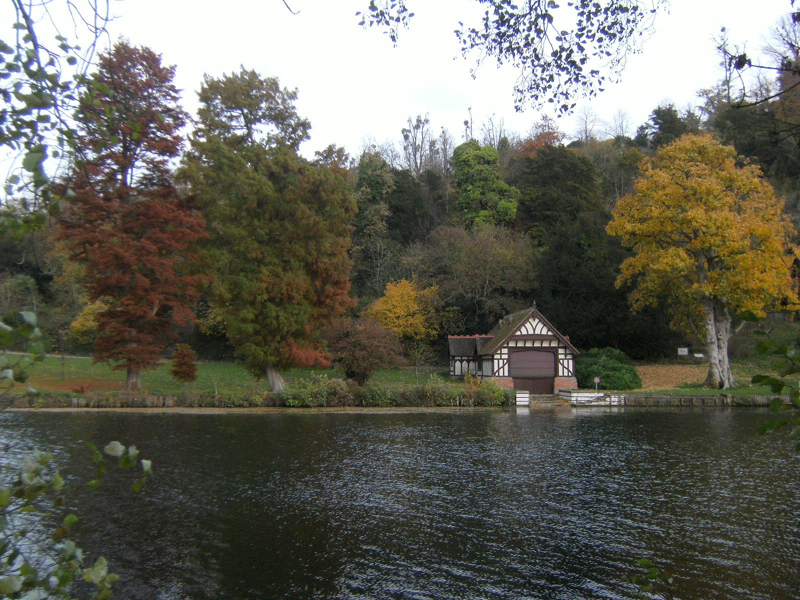 1011040059 Boathouse on the Cliveden estate